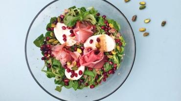 Zlim recept - Bulgur salade met mozzarella, gerookte ham en pistachenoten