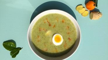 Zlim recept - Maaltijdsoep met broccoli, venkel en kippendijen