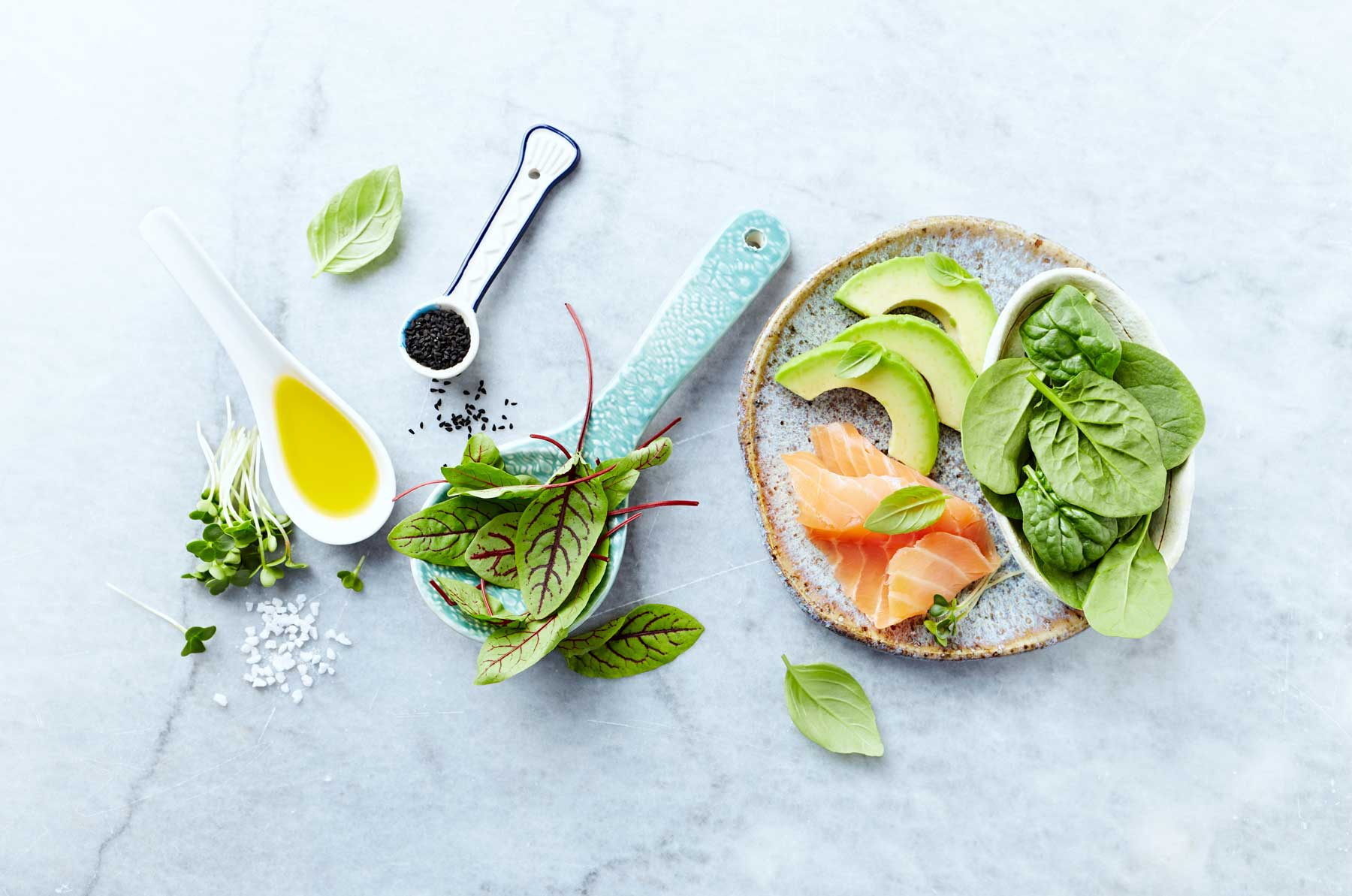 Gezonde vetten in avocado, zalm en olijfolie